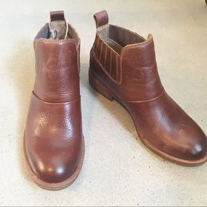 Sofft brown leather ankle booties